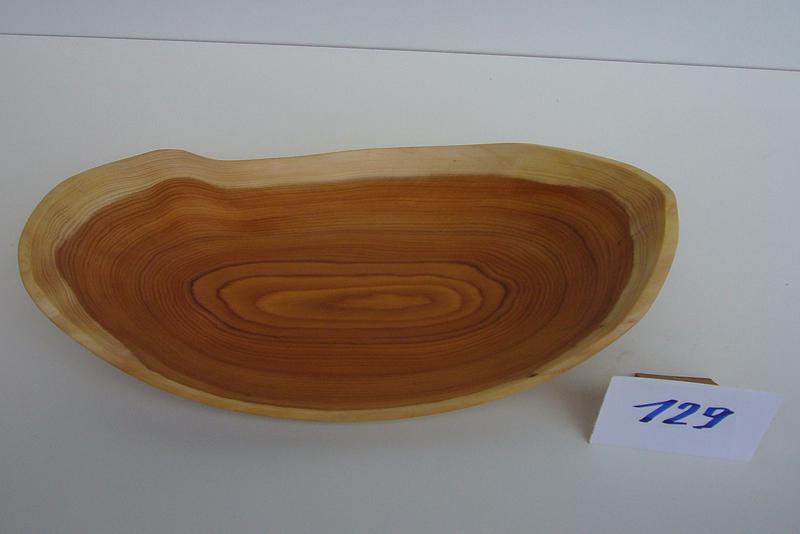 Geschwungene Schale | Holzsorte: Eibe